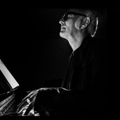 https://www.steinway.com/news/features/a-new-vision-ludovico-einaudi