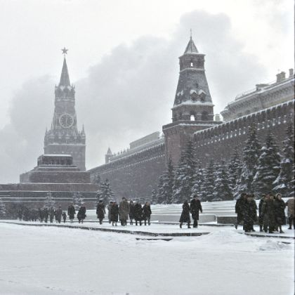 http://www.steinway.com/news/features/bach-in-russian-winter