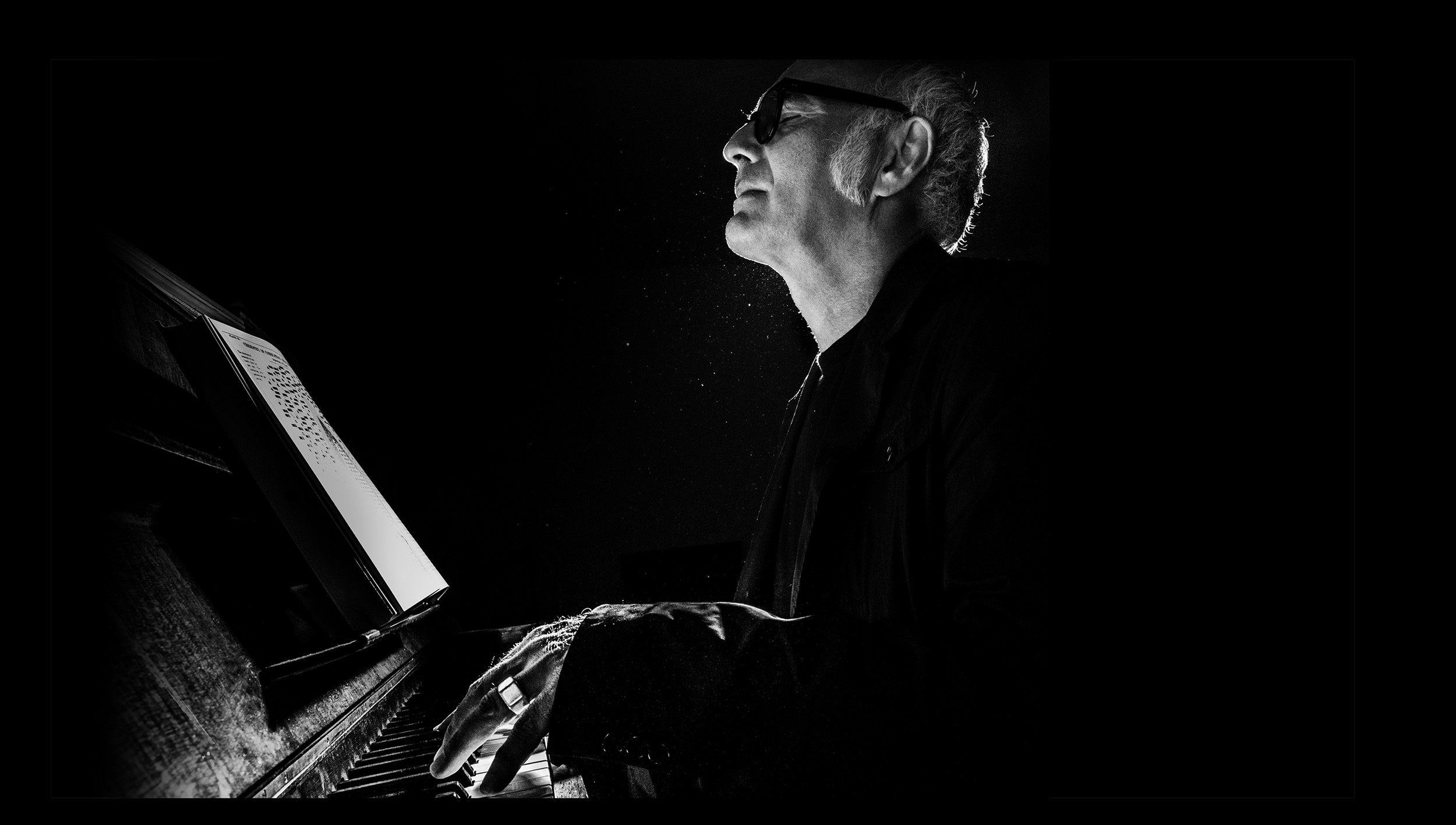 http://www.steinway.com/news/features/a-new-vision-ludovico-einaudi
